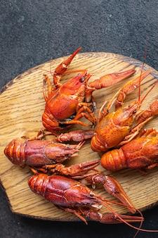 Crustáceos crustáceos crustáceos crustáceos crustáceos frescos cozidos refeição lanche na mesa cópia espaço comida Foto Premium
