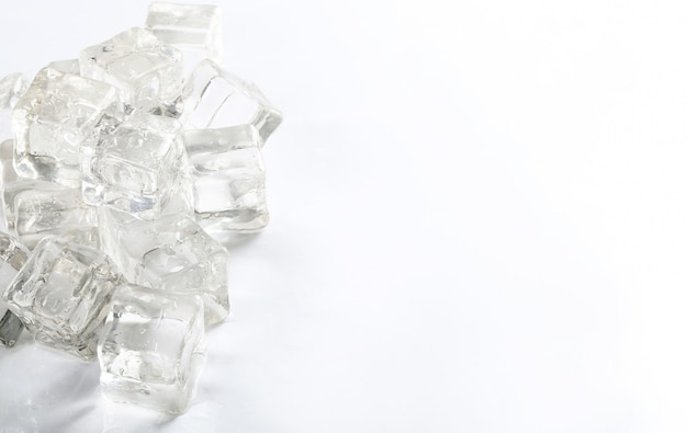 Cubos de gelo com copyspace