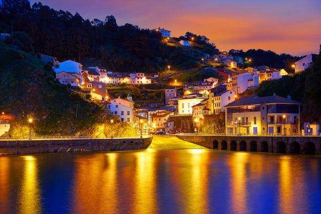 Cudillero aldeia nas astúrias espanha