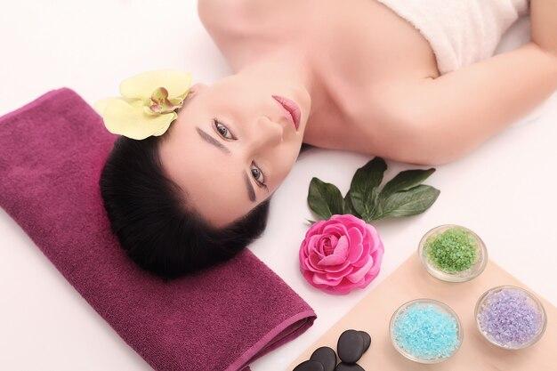 Cuidados com o corpo. tratamento de massagem corporal spa.