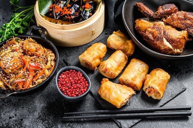 Culinária chinesa pratos variados comidas fixas