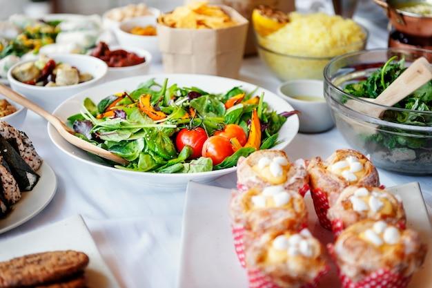 Culinária da refeição do alimento que janta o conceito do partido