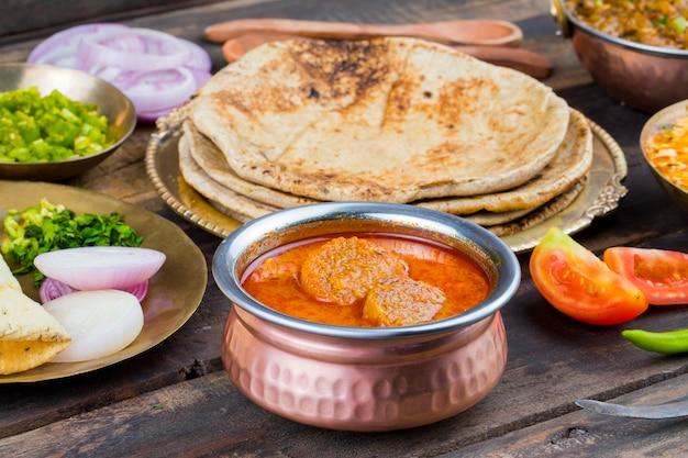 Culinária indiana tradicional gatta caril