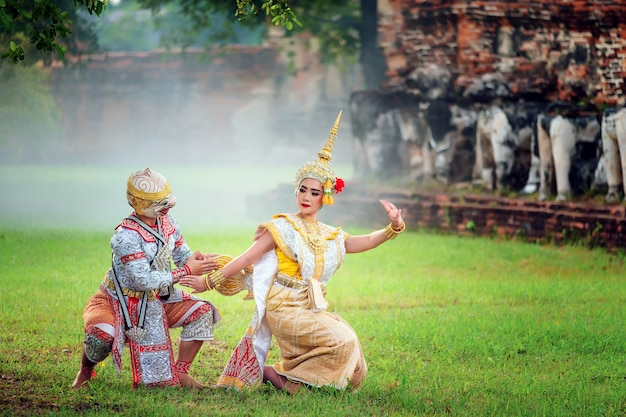 Cultura de arte tailândia dança em khon mascarado em literatura ramayana, macaco clássico tailandês