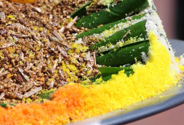 Cultura de comer folha de bétele do sudeste asiático