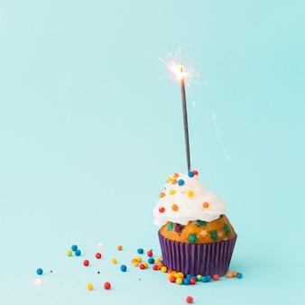 Cupcake de aniversário com diamante