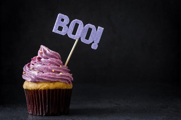 Cupcake de halloween em preto