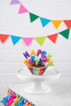 Cupcake delicioso com velas