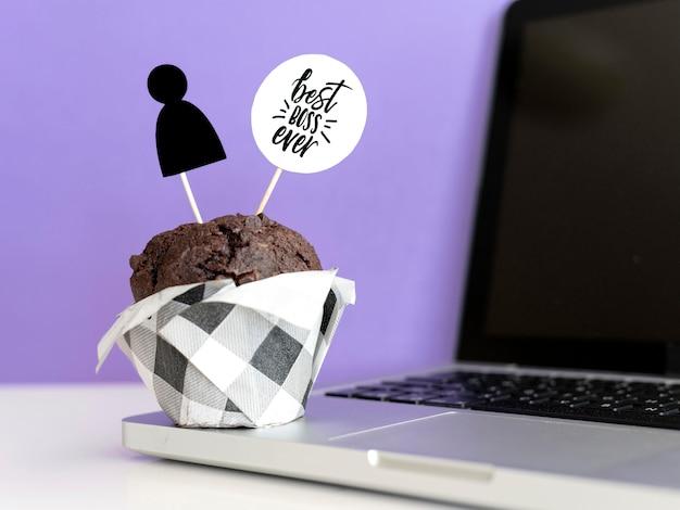 Cupcake surpresa para o chefe