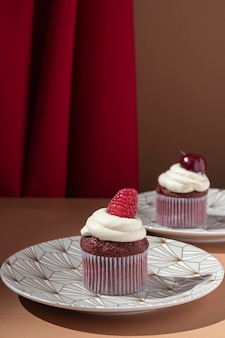 Cupcakes com framboesa e cereja