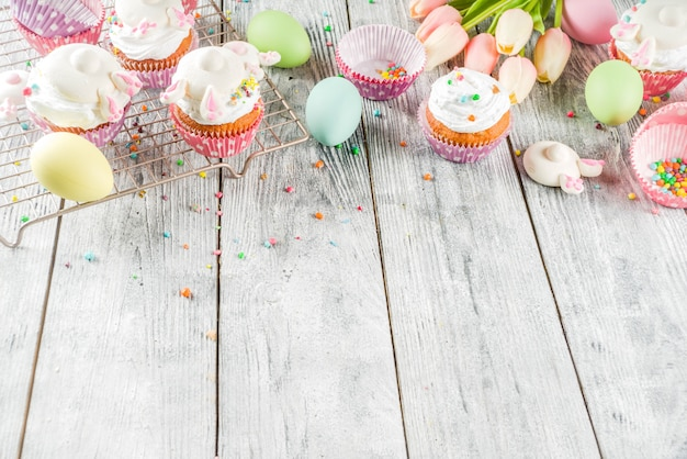 Cupcakes de coelhinho da páscoa para crianças