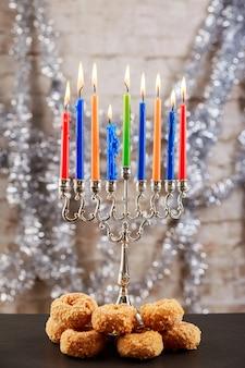 Cupcakes de feriado judaico composto de elementos do hanukkah