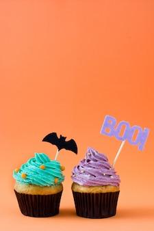 Cupcakes de halloween em laranja