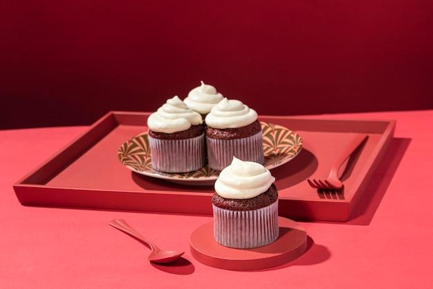 Cupcakes deliciosos com creme