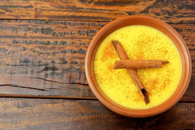 Curau, creme de milho doce e sobremesa típico da culinária brasileira