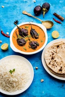 Curry de ovo frito ou anda masala servido em uma tigela