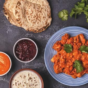 Curry tradicional indiano com arroz