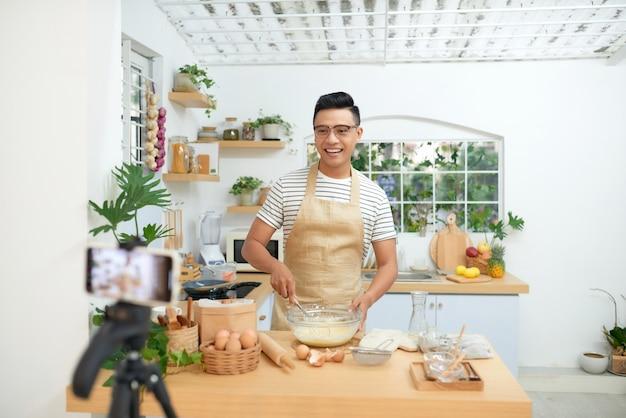 Cursos online de padeiro, preparação de comida e conceito de aula de treinamento culinário