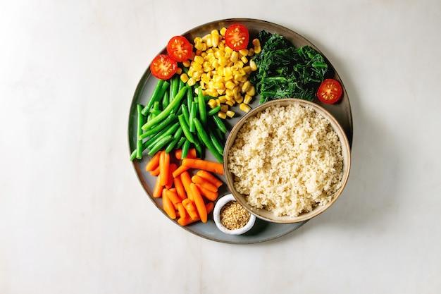 Cuscuz com legumes