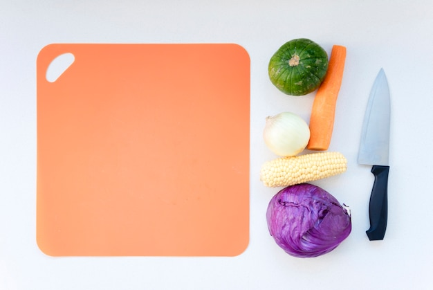 Cutboard com legumes