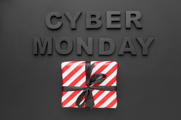 Cyber segunda-feira e vista superior da caixa de presente