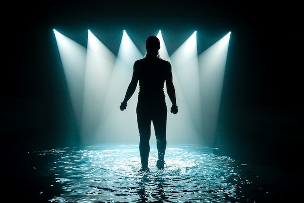Dançando na água.