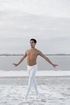 Dançarino de balé retrato realizando