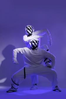 Dançarino de hip-hop em estúdio