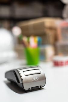 Dataphone para poder pagar com cartão de crédito para compras feitas com um terminal pos.