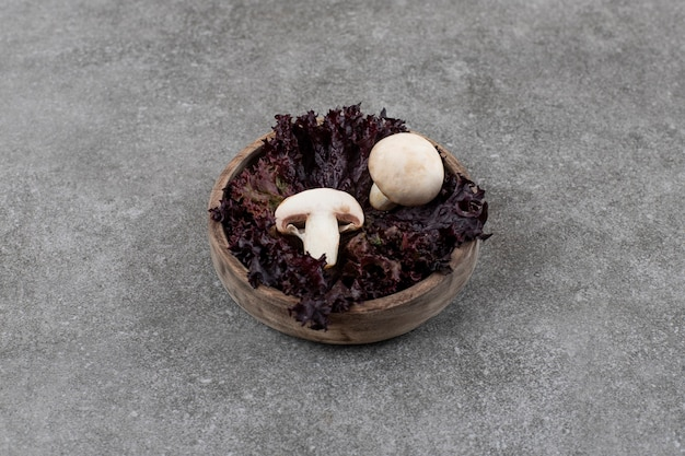 De cogumelos orgânicos frescos.