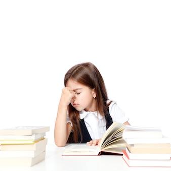 De volta à escola! conceito de educação, leitura e aprendizagem.