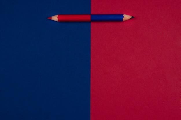 De volta à escola fundo vermelho e azul