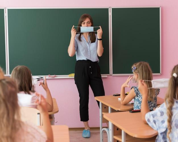 De volta às aulas durante um conceito ambicioso