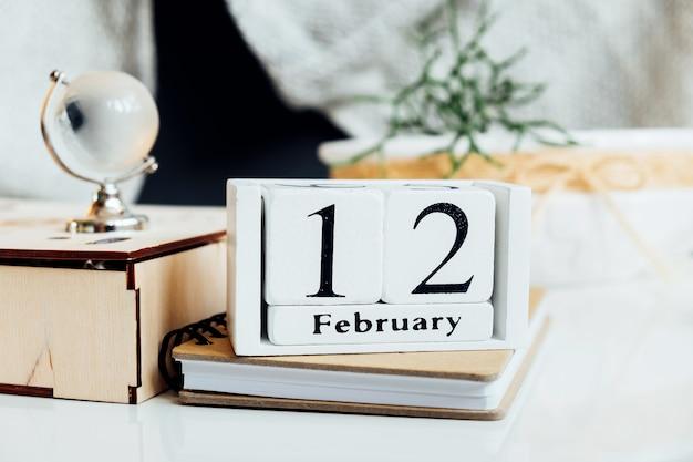 Décimo segundo dia do mês de inverno, calendário de fevereiro.
