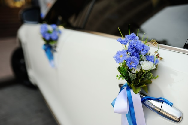 Decoração de casamento no carro de casamento