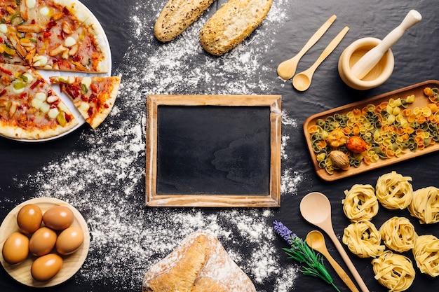 Decoração de comida italiana com ardósia