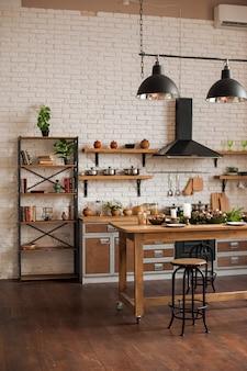 Decoração de cozinha de natal e espaço de cópia. cozinha rústica no natal