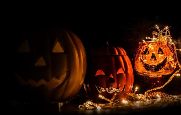 Decoração de festa de halloween na noite escura