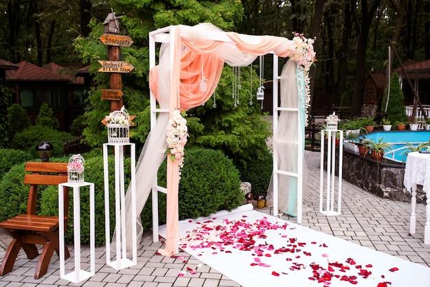 Decoração de flores de casamento lindo.