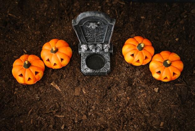 Decoração de halloween com vista superior do túmulo
