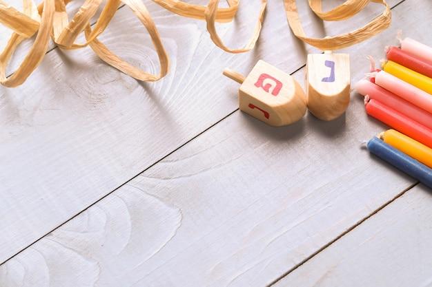 Decoração de hanukkah com velas Foto gratuita