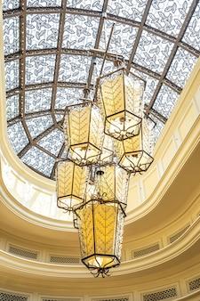 Decoração de lâmpada de luz de teto elétrico de luxo bonito