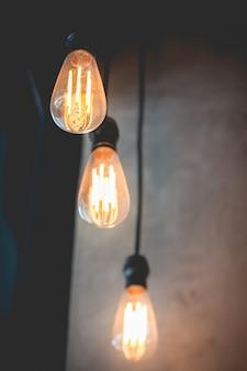 Decoração de luz clássica retrô linda lâmpada brilhando