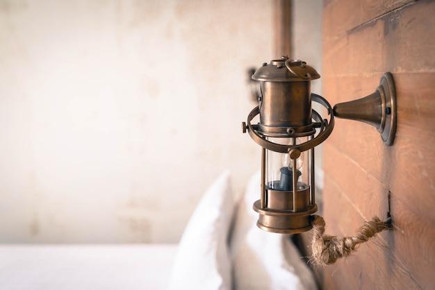 Decoração de luz da lâmpada vintage no quarto