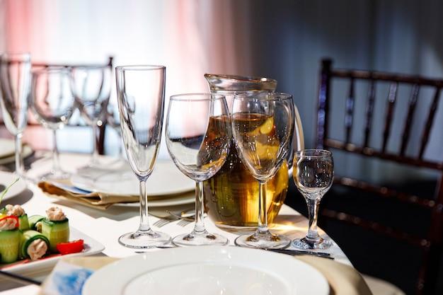 Decoração de mesa de casamento linda configuração de mesa de casamento