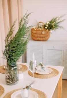Decoração de mesa natal família jantar casa férias minimalismo