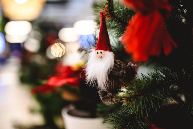 Decoração de natal, bonecos pequenos para pendurar na árvore de natal.