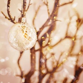 Decoração de natal com neve branca