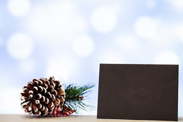 Decoração de natal e em branco para texto em fundo azul