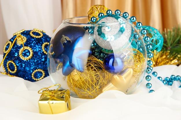 Decoração de natal em vaso de vidro close-up